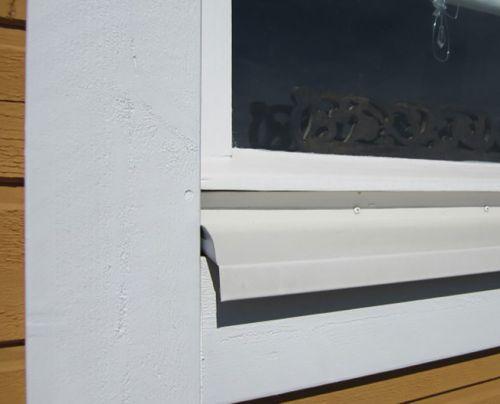 Viivi Vernissa hoitaa ulkomaalaukset ja ikkunoiden kunnostukset.
