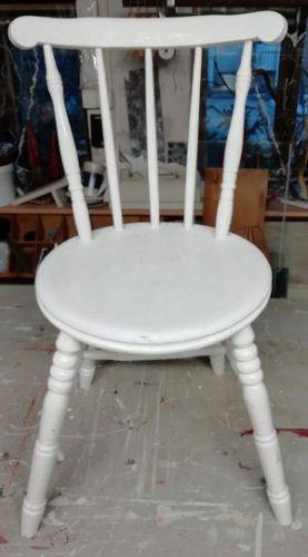 Pinnatuoli ennen käsittelyä ja uutta maalipintaa.
