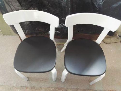 Nämä tuolit saivat todella kestävän ja modernin pinnan.