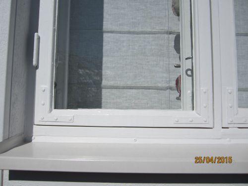 Ikkunan maalaus ei ole vain kosmeettinen seikka vaan tärkeä asia ikkunan pitkäikäisyydelle.